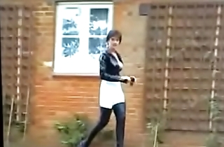 Mistress Mom In Thighboots Pissed Outdoors See pt2 at goddessheelsonline.co.uk