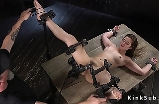 Slave beauty gets perfect aggravation paddled