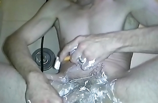 Shaving pubes first time on video