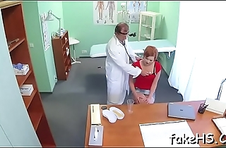 Lascivious doctor knows how to fuck