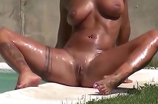 Amateur video blowjob of mi housewife in the pool